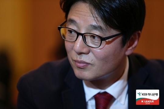 사진=한국프로축구연맹, 1999년 세레소 오사카 소속으로 득점왕에 올랐던 황선홍 신임 U-23 국가대표팀 감독