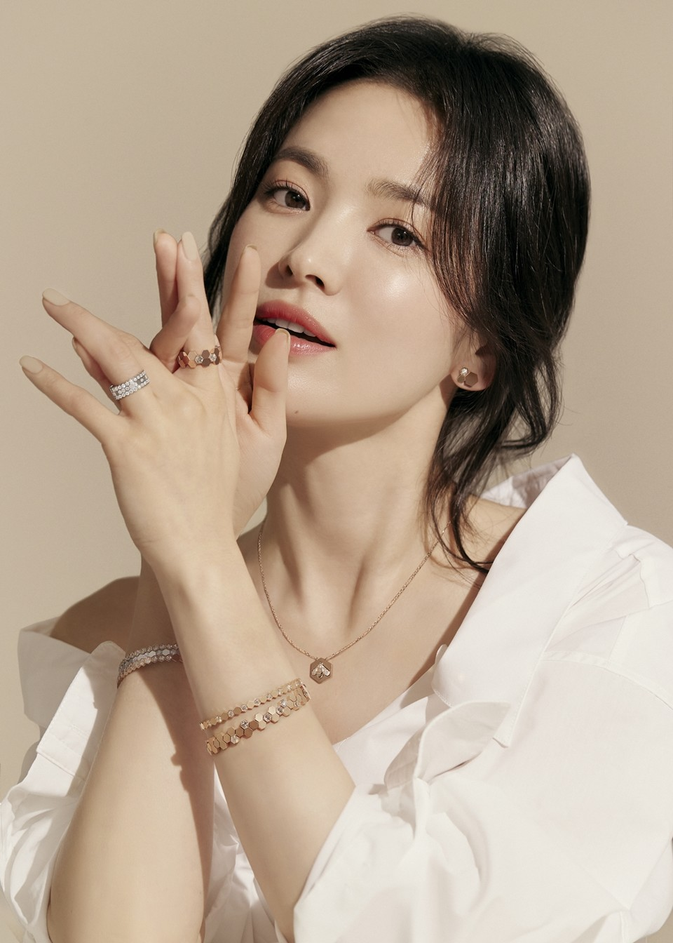 송혜교, '다이아몬드보다 빛나는 비주얼'(화보)